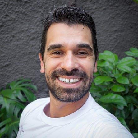 Deva Okmar Anand (João Molden)