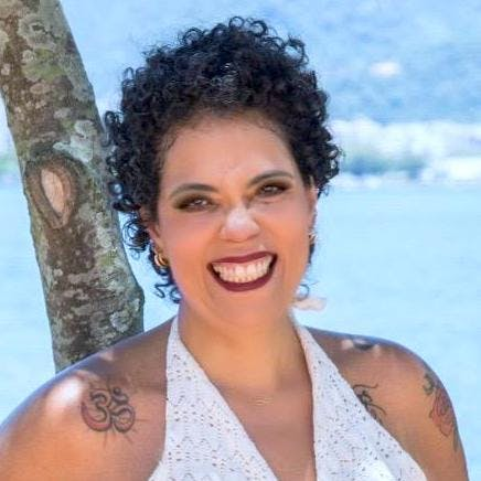 Paula Manadevi